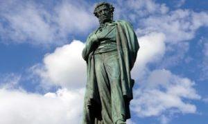 Сравнение «Памятников» Державина и Пушкина
